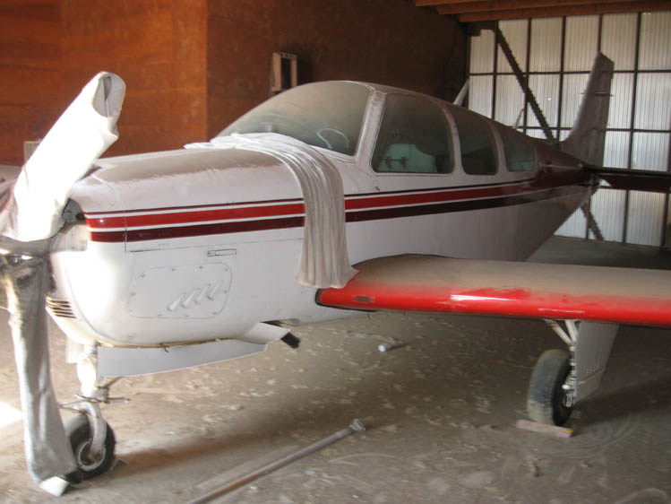 Photo - 17 Beechcraft G-33-1 Decades of dirt